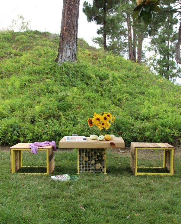 Möbel Aus Paletten- Holzbank Und Gabione-Tisch Im Garten Bauen~ Mobiliario De Jardim Em Paletes