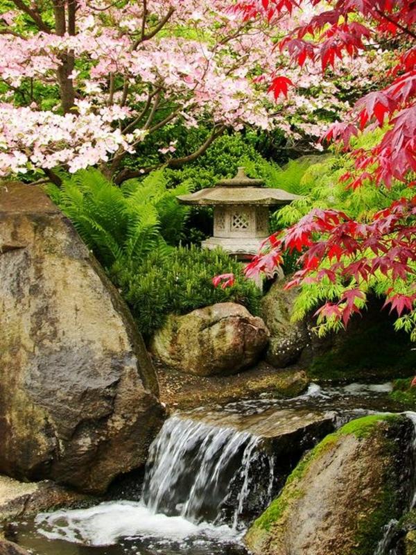 zen garten anlegen farbige blüten wasserfall