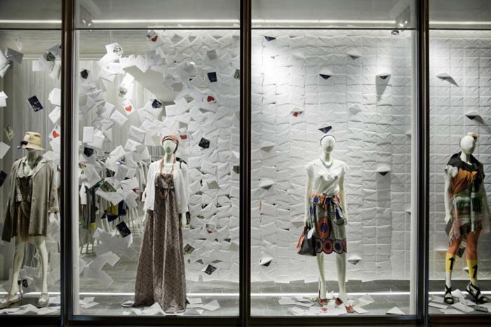 Schaufenster dekorieren vusual merchandising auf hohem for Weihnachtsdeko schaufenster