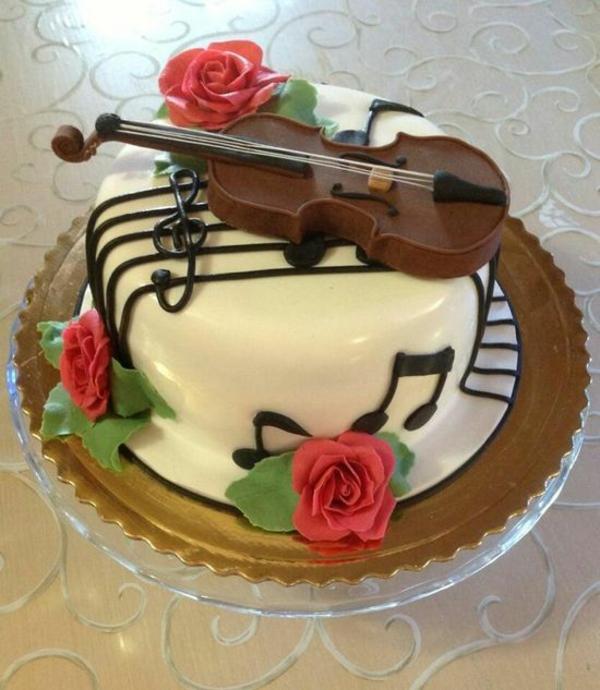 tolle-torten-hochzeit-geburtstag-musik-rosen-rot