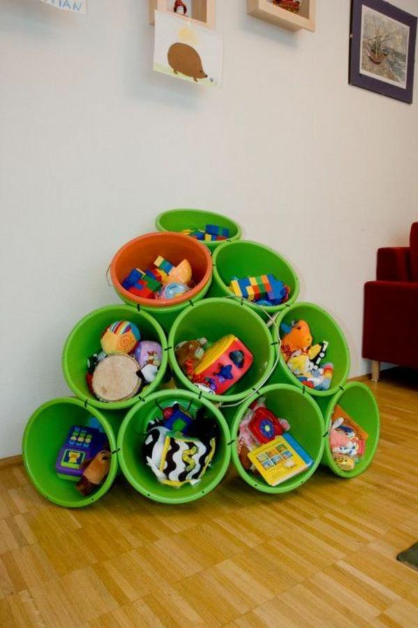 Aufbewahrung kinderzimmer praktische designideen for Praktische wohnideen