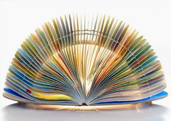 tischlampen Bücher als Lampenschirme offen seiten
