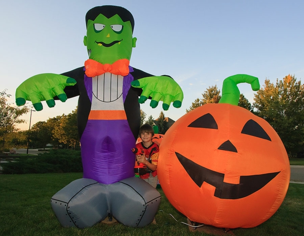 Aufblasbare Werbeartikel zu Halloween grün geschöpf