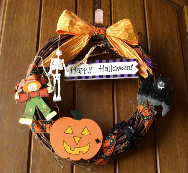 bastelideen f r halloween t rkranz die richtig gro artig aussehen. Black Bedroom Furniture Sets. Home Design Ideas