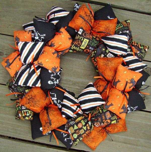 Bastelideen für Halloween Türkranz stoff