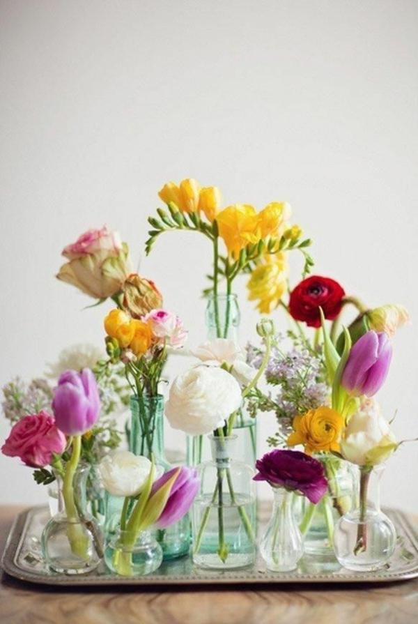Blumengestecke und schöne Blumenstäuße elegant
