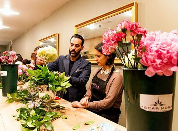 Blumengestecke und schöne Blumensträuße kunstvoll