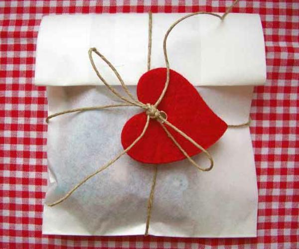 Geschenke originell verpacken lustig kreativ liebevoll
