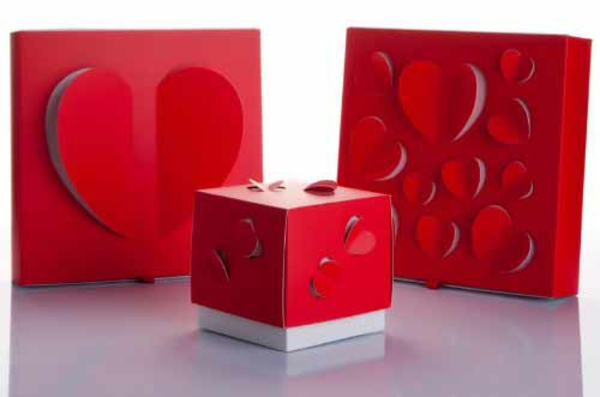 Geschenke herzen originell verpacken lustig kreativ romantisch
