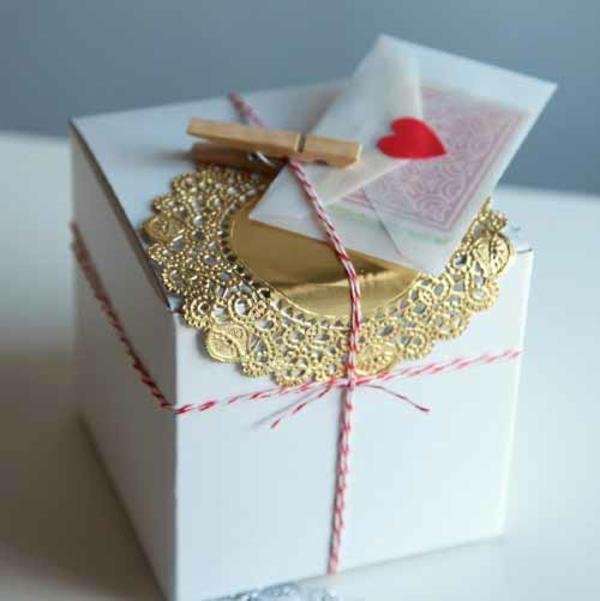Geschenke goldene papier originell verpacken verpackung