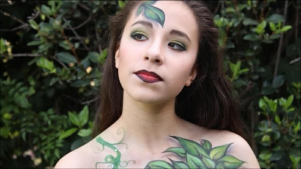 Gesicht zu Halloween bemalen grün fee