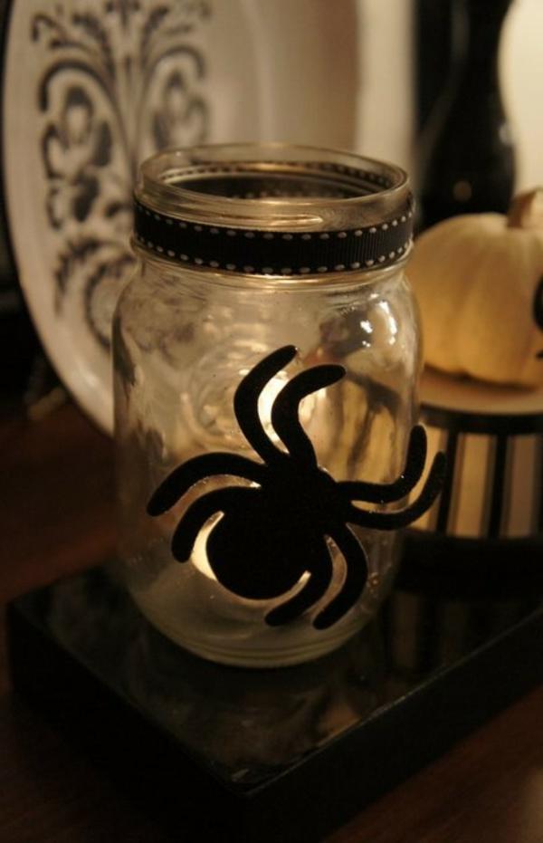 Halloween Deko Ideen spinne schwarz glas