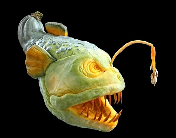Halloween böse Kürbis schnitzen art fisch