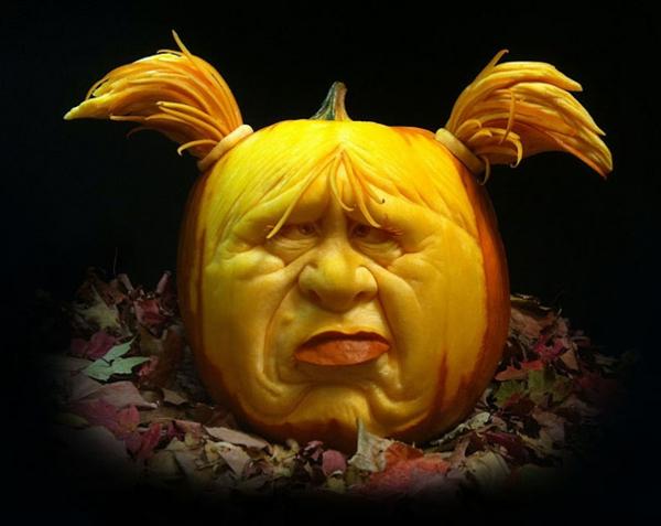 Halloween kürbis schnitzen aussagekräftige gesichter