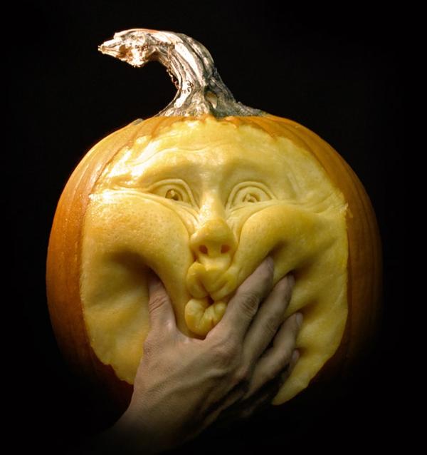 Halloween Kürbis rundlich schnitzen art süßes gesicht