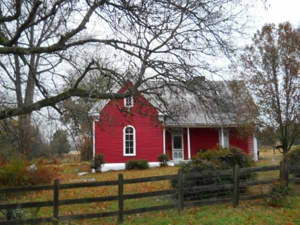 Hausanstrich Farbe dunkelrot hausfassaden farben landhaus farbideen
