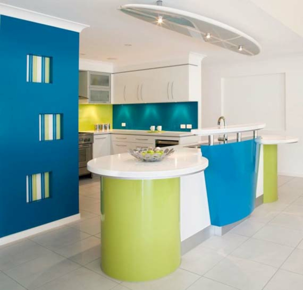 Küchenzubehör und Küchengeräte grün blau modern