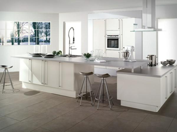 Küchenzubehör und Küchengeräte kücheninsel bodenbelag