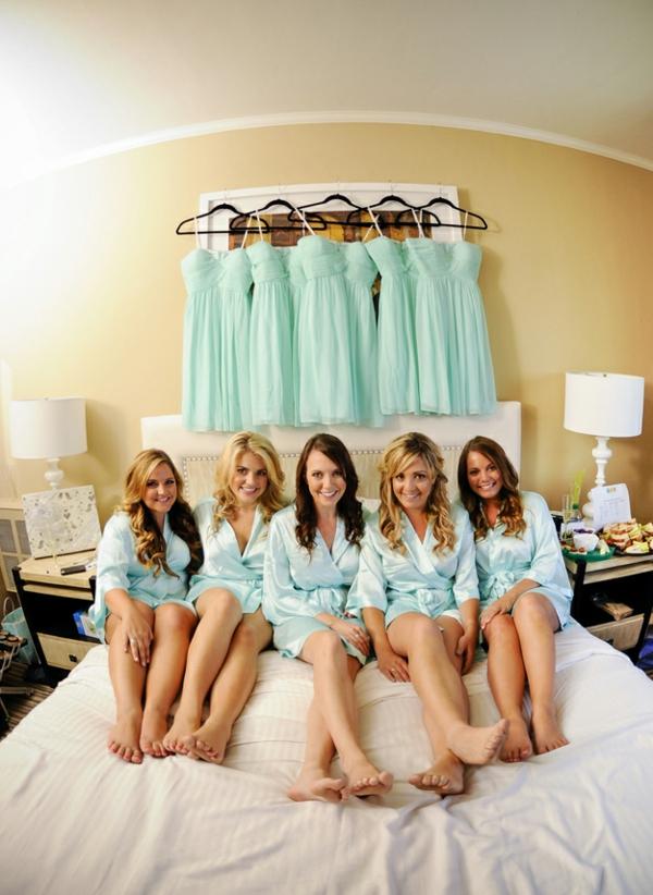 Lustige mädchenhaft Hochzeitsfotos Ideen brautjungfer kleider