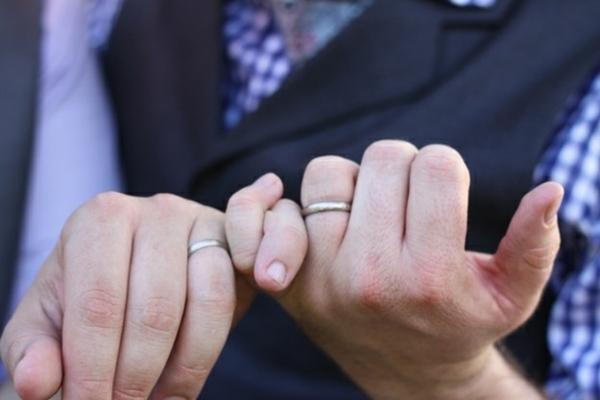Lustige Hochzeitsfotos Ideen eheringe