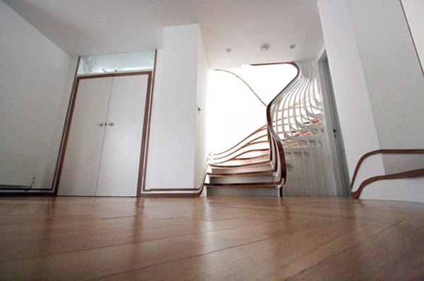 Moderne Innentreppen holz bodenbelag Holz Stahl cool