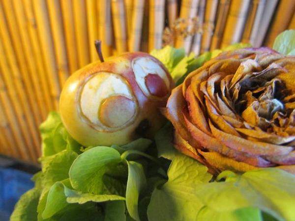 Obst dekorativ schnitzen apfel kunst basteln