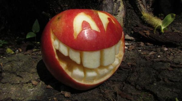 Obst dekorativ schnitzen apfel kunst fröhlich