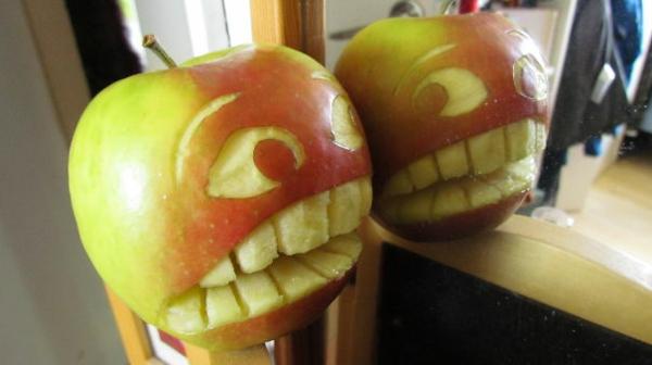 Obst dekorativ schnitzen apfel kunst scheu