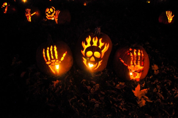 Riesige Kürbis Schnitzvorlagen Halloween leuchtend
