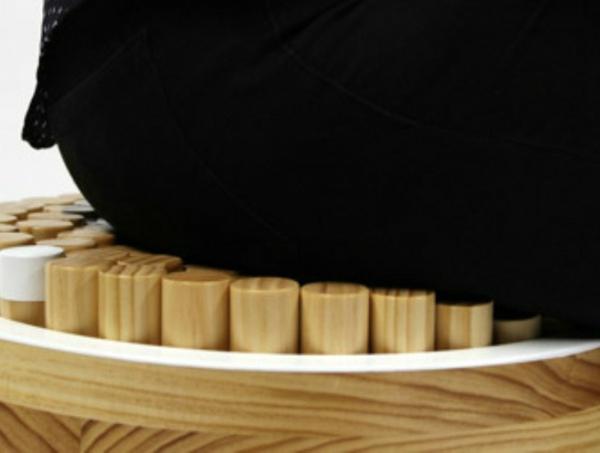 stehlampe und stuhl in einem kombiniert. Black Bedroom Furniture Sets. Home Design Ideas