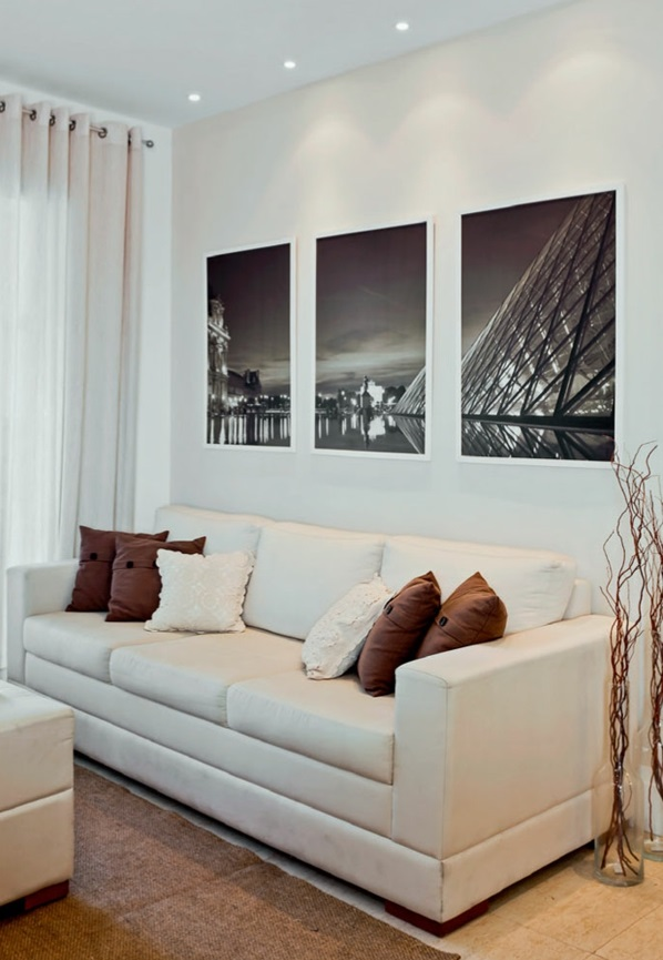 Wohnzimmergestaltung Ideen modern sofa fenster weiß