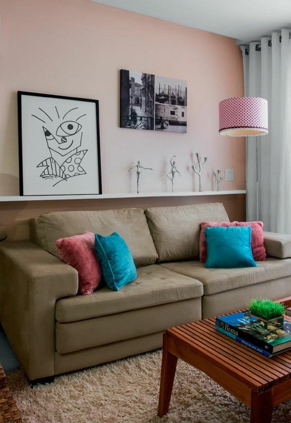 Wohnzimmer rosa lampenschirm gestaltung Ideen modern sofa gemälde regal
