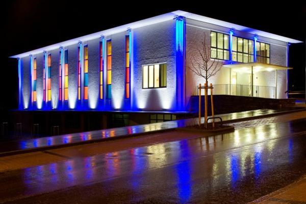 architekturwerke attraktiv beleuchten farbig