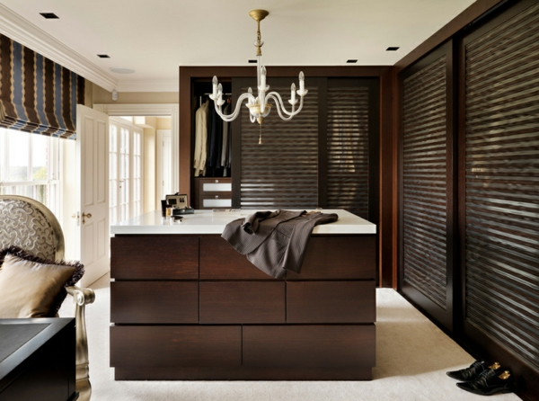 garderobe ideen f r m nner die bequemlichkeit erschaffen. Black Bedroom Furniture Sets. Home Design Ideas