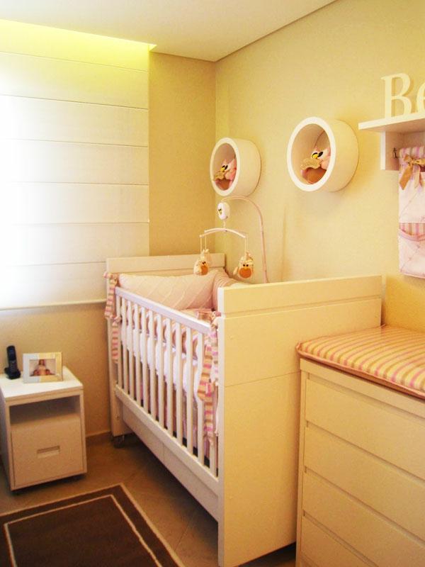 babyzimmer einrichten möbel babymöbel nachttisch