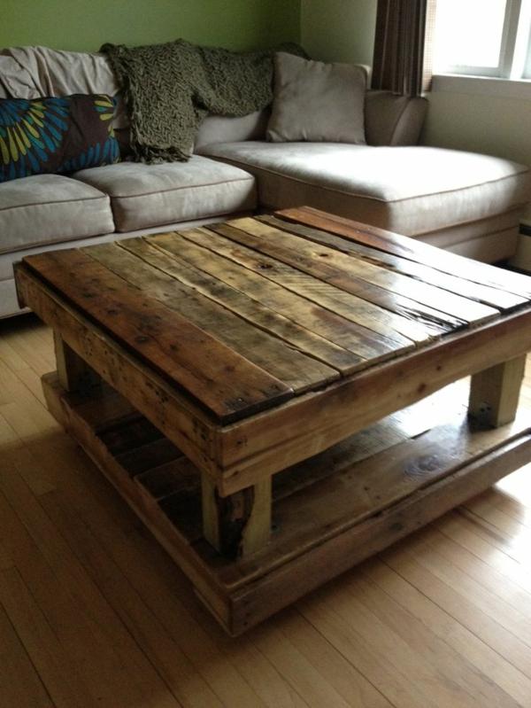 palettentisch selber machen couchtisch palette anleitung ikea lack diy terrasse en bois. Black Bedroom Furniture Sets. Home Design Ideas
