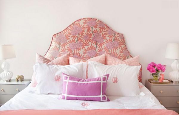 bettpolsterung blumenmuster schlafzimmer gestalten