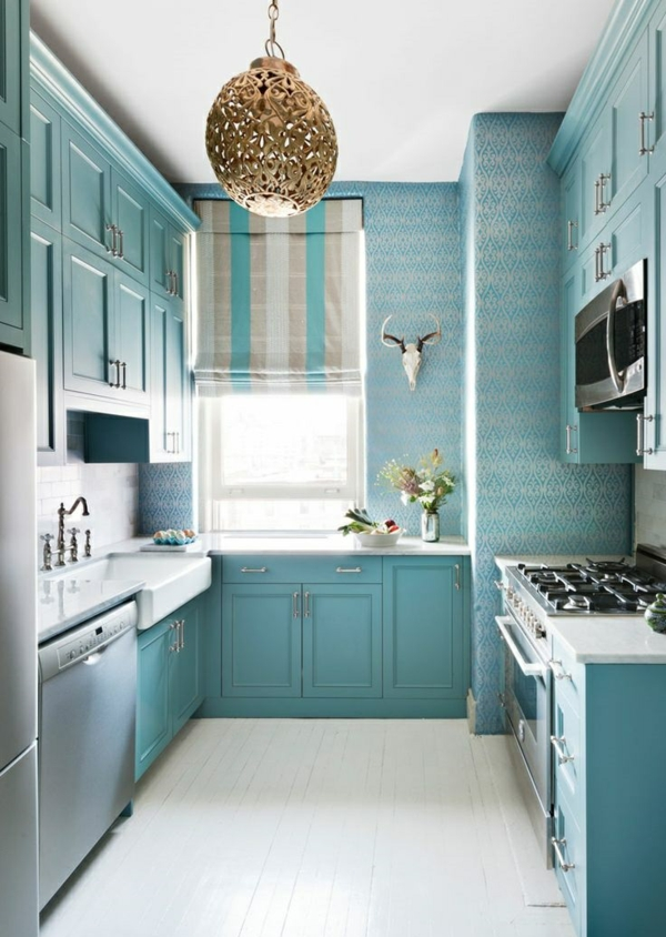 blaue tapete küche einrichtungsideen farbideen hellblau tapetenmuster abstrakt