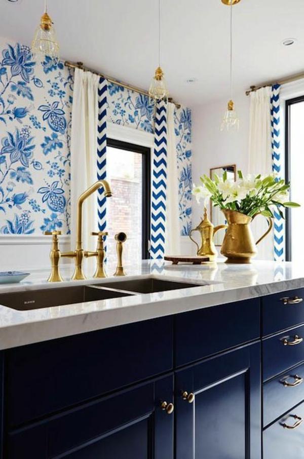 blaue tapete muster blumenmuster chevron muster moderne küche