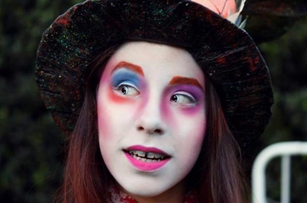 Kinder Tapeten Zum Bemalen : Das Gesicht zu Halloween bemalen ? 15-j?hriges M?dchen als