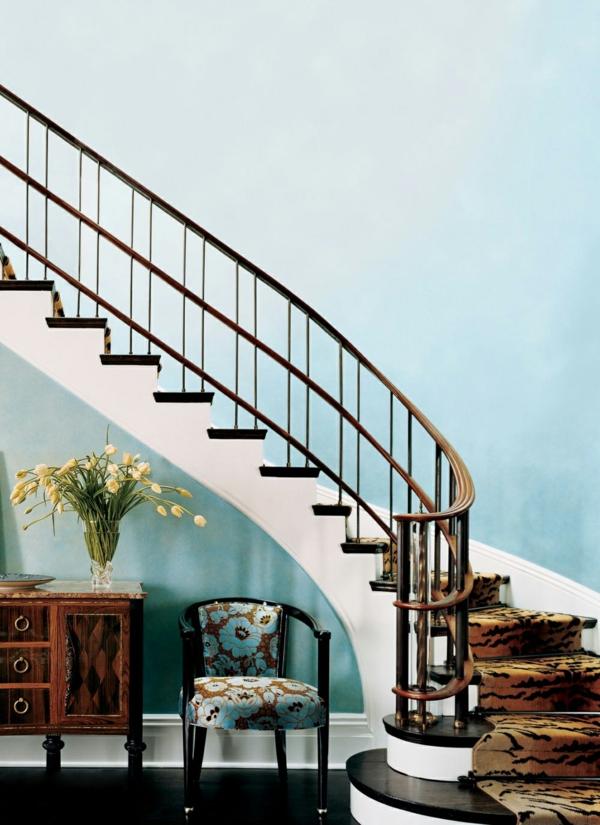 eine schöne ecke unter der treppe