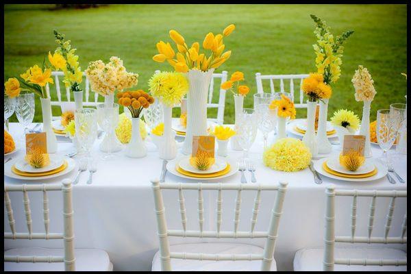 tischdekoration in gelb gr nen farben f r eine festliche stimmung. Black Bedroom Furniture Sets. Home Design Ideas