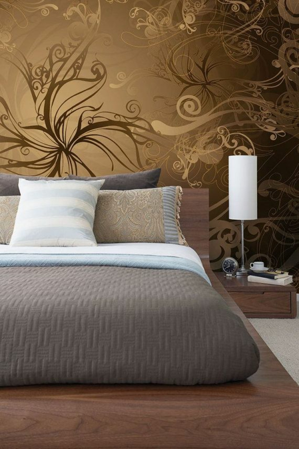 goldene tapeten mit florale muster