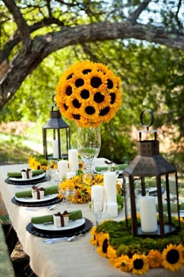 Tischdekoration In Gelb Grunen Farben Fur Eine Festliche Stimmung