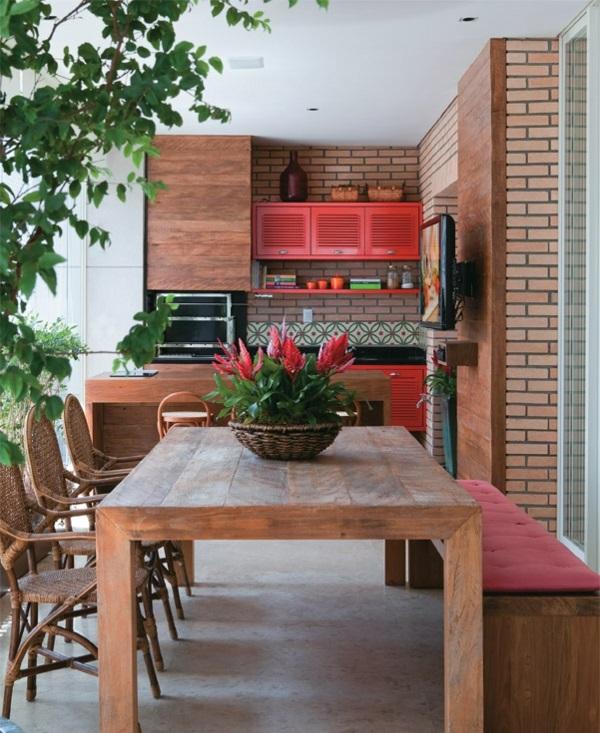 grüne-deko-ideen-zimmerpflanzen-terrasse-gestalten-holzküche-essbereich