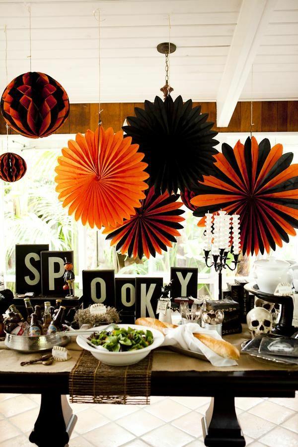 halloween-tischdeko-ideen-schwarz-orange-farbgestaltung