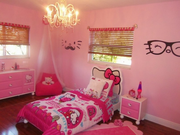 hello-kitty-motive-in-den-innendesign