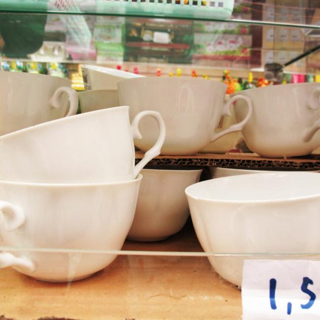 kaffeeservice tassen weiß teetassen wohnaccessoires speisezimmer