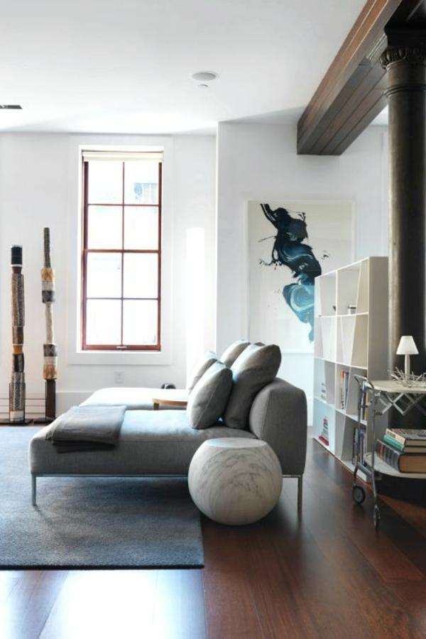 loft apartment wandgestaltung dachfenster dekoartikel