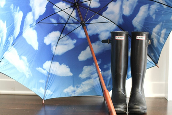 lustige-regenschirme-himmel-gummi-stiefel
